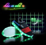 El deporte enciende para arriba los zapatos corrientes ligeros de los niños LED del zapato para los cabritos