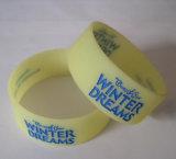 Regali promozionali dei Wristbands del silicone 25mm Inkfilled
