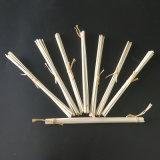 藤のRaffiaが付いている束のリード拡散器の棒
