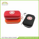 医学の仕事場の緊急の屋外スポーツの救急箱