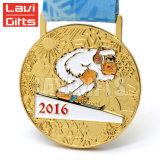 Gancio turistico della medaglia del medaglione del metallo del premio di sport del ricordo di marchio su ordinazione timbrato oggetto d'antiquariato di doratura elettrolitica dell'annata con il nastro