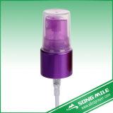 Mist pulverizador durante la nebulización aromaterapia, aceites esenciales, sala de limpieza Spray