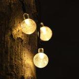 La chaîne de caractères de globe de lumières de Noël allume les lumières actionnées solaires blanches chaudes de chaîne de caractères de lumières extérieures imperméables à l'eau de la chaîne de caractères IP44 pour le jardin campant de pelouse de mariage de Noël
