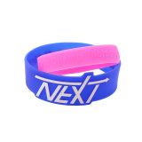 La CHINE Prix d'usine de promotion Bracelet en silicone gaufré personnalisé Skin-Touch unique personnalisé bracelet en silicone personnalisé