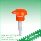 Pompe de vis de main de plastique du fini 28mm de collet