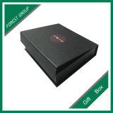 Rectángulo de regalo de papel negro con la venta al por mayor de la impresión de la insignia
