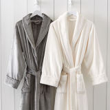 Haute qualité 100% Polyester Super Soft Coral / Fleece Hotel / Home Bathrobe