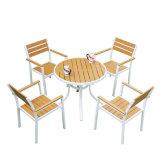 テラスのGadenのホームホテルのオフィスのアルミニウムチークのプラスチック木製のダイニングテーブルおよび椅子(J823)