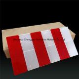 長方形の道の赤くか白い警告の手段のプラスチック反射鏡