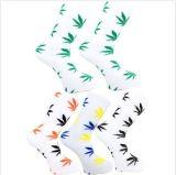 Носок лодыжки кленовых листов белый