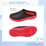 EVA Sole PVC Upper Homme et femme Holey Upper Clogs Chaussure de sécurité pour hôpitaux