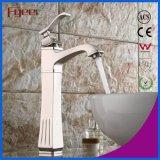 Neues hohes Lichtbogen Centerset Nickel aufgetragener Badezimmer-Messingbassin-Hahn