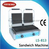 レストランのための見開き図版が付いている電気サンドイッチグリル