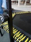 Trampoline de salto comercial da ginástica com barra do punho