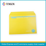 De kartonnen Envelop van de Post met ISO9001 en ISO14001