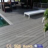 Madeira plástica impermeável personalizada alta qualidade WPC para o assoalho do Decking