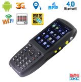 Scanner logistico tenuto in mano del codice a barre del Mobile 3G PDA con l'OS Android