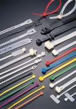 Individu de plastique verrouillant les serres-câble en nylon flexibles avec l'étiquette