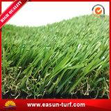 Césped sintetizado certificado SGS de la falsificación del césped de la hierba para el paisaje