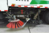 Camion di pulizia della via delle rotelle della spazzatrice di strada di Dongfeng 4*2 6