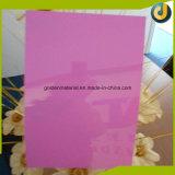 Grande quantidade de capas coloridas de PVC em PVC