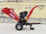 Jardin Chipper Shredder Tirez 15HP Démarrer le moteur à gaz.