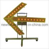 Luz da seta do tráfego do sentido do diodo emissor de luz para o cone do tráfego