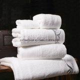 100%Cottonホテルの白く明白なタオル、表面布手タオルの浴室タオルセット