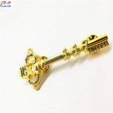 Chave de Ouro Venda quente personalizados moldar o pino de presilha de metal