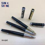 De Pen van het Metaal van de Kantoorbehoeften van de innovatie graveert de Pen van de Rol van het Metaal van het Embleem