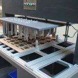 Dentro de la máquina que elimina inútil para la cartulina, orificio interno del rectángulo de papel
