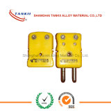 Datilografar o plugue do par termoeléctrico de k e o conetor do revestimento com cor amarela