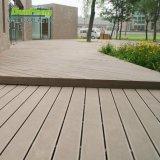 Decking imperméable à l'eau du matériau de construction de constructeur de la Chine WPC avec la qualité d'Olypmpic