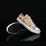 Alleiniges neues Gummimodell fertigen gedruckte Segeltuch-Schuhe kundenspezifisch an