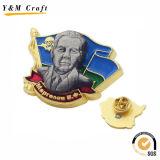Aleación de zinc Oro Metal personalizado insignia de solapa con el logotipo estampado