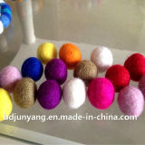 Sfera fatta a mano di colore del feltro delle lane pure delle pecore