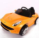 전차가 신식 12V 아이들 차 장난감에 의하여 농담을 한다