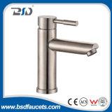 Robinet simple de salle de bains de Lavoratory de bassin de bassin de vanité de traitement d'acier inoxydable
