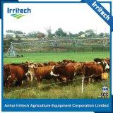 Macchina concentrare trainabile moderna del sistema della strumentazione di irrigazione del perno utilizzata per l'azienda agricola