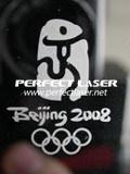 mini laser en métal de la fibre 20W faisant la machine de borne pour la carte mémoire de trousseau de clés