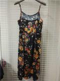 Blumendruck-Brücke-Frauen-Kleid