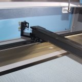 Máquina de estaca High-Precision do laser do metal para o brinquedo do luxuoso (JM-1210H)