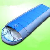 キャンプする携帯用屋外スポーツ旅行エンベロプの寝袋をハイキングする