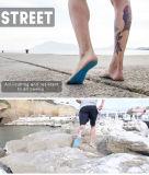 La etiqueta engomada calza el palillo pegajoso de las pistas de los pies de Nakefit en plantas del pie
