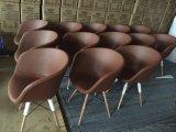 Polsterung-hölzerner speisender Armlehnen-Stuhl mit Gewebe oder Leder