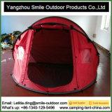 O acampamento da camada dobro da pessoa do mercado 4 de Coreia estala acima a barraca