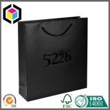 Saco de portador de papel de gravação lustroso de compra do presente do logotipo com punho