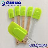Spatule colorée durable de silicones de vente chaude