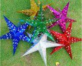 Estrella de papel colgante para los items de la decoración de la Navidad