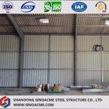 Almacén de acero prefabricado del edificio con la hoja de acero